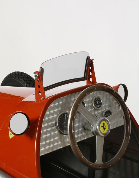 Scuderia Ferrari Online Store - Ferrari F500 F2 1953 model - Car Models 01:18