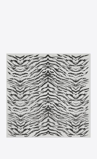 SAINT LAURENT Carrés Femme Grand carré à imprimé zébré en étamine blanche et noire b_V4