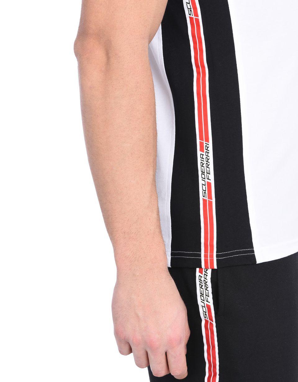 Scuderia Ferrari Online Store - Kurzärmeliges Scuderia Ferrari-Poloshirt mit Icon Tape - Kurzärmelige Poloshirts