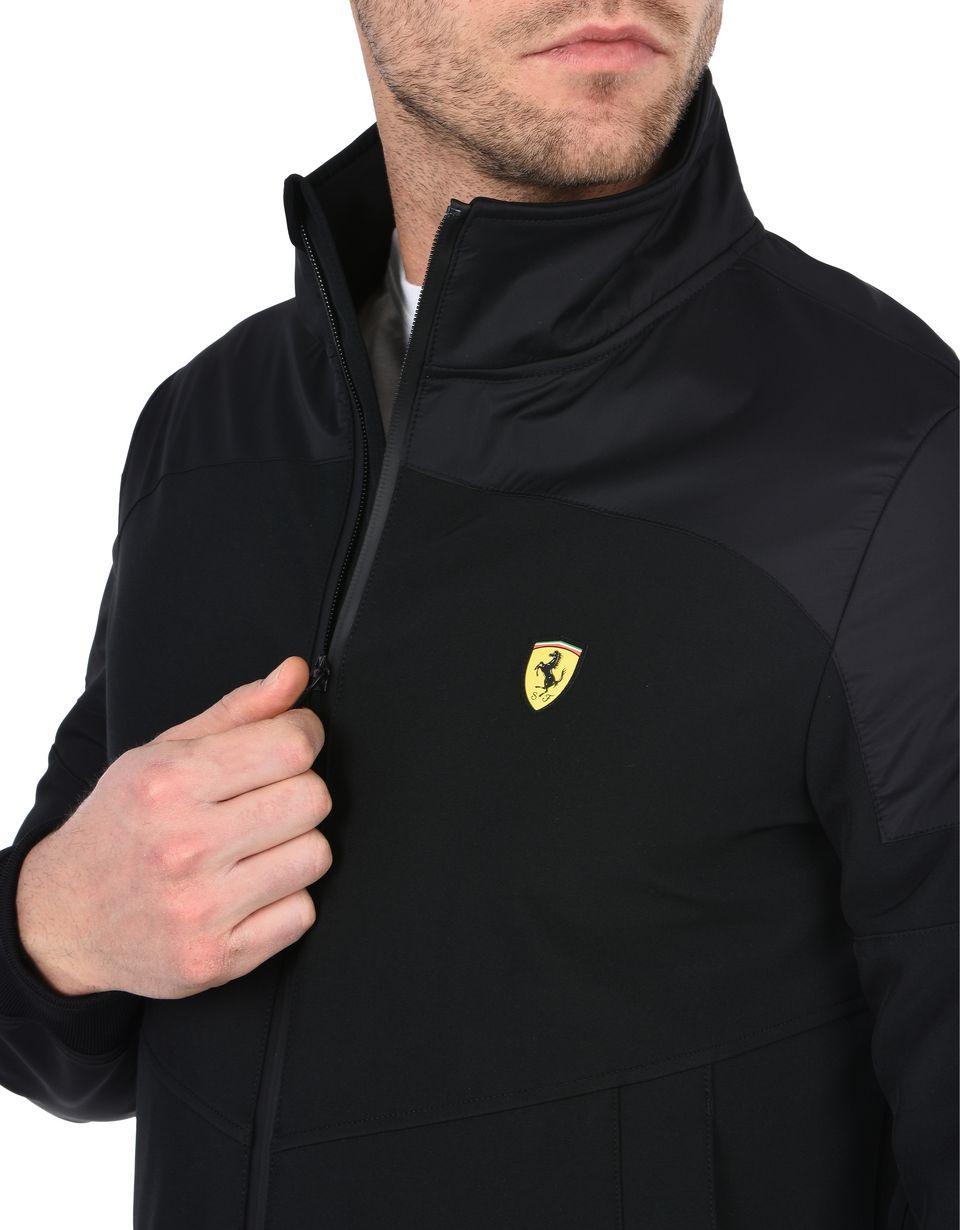 Scuderia Ferrari Online Store - Men's rain jacket with Ferrari Shield -