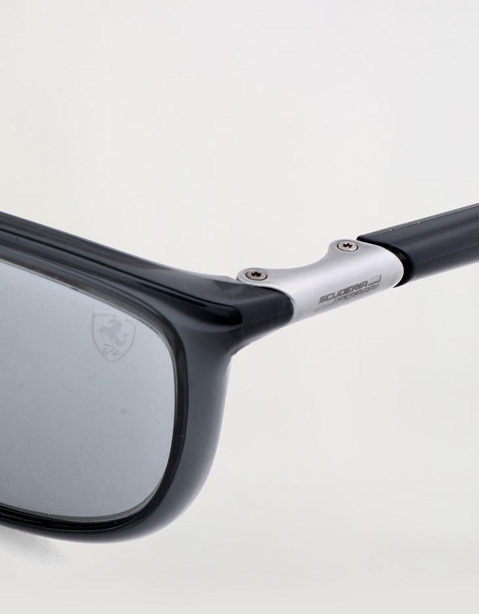 Scuderia Ferrari Online Store - Ray-Ban for Scuderia Ferrari 0RB8351M Grau transparent - Sonnenbrillen