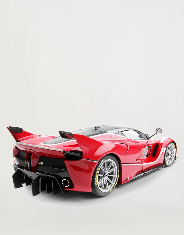 Scuderia Ferrari Online Store - FXX-K 1:8 scale model - Car Models 1_1.8