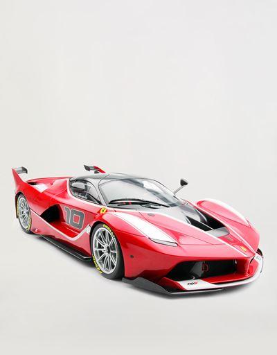 Ferrari FXX モデルカー 1:8スケール