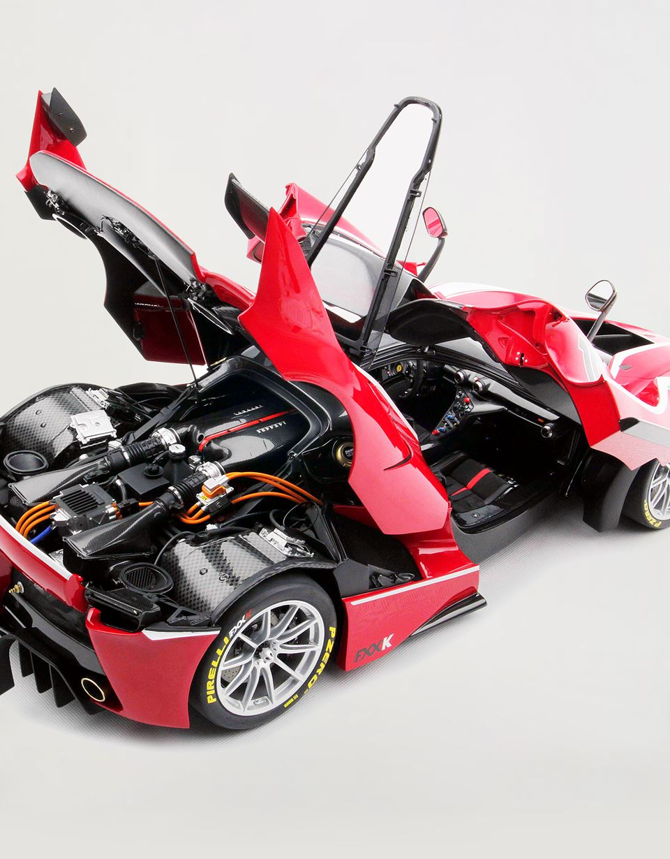 Scuderia Ferrari Online Store - Ferrari FXX-K Model in 1:8 scale - Car Models 1_1.8