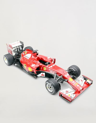 Ferrari F14 T Alonso 1:8 scale model