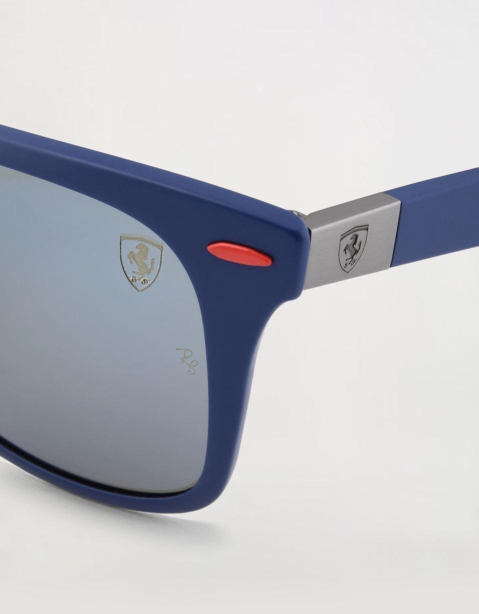 Scuderia Ferrari Online Store - Lunettes de soleil Ray-Ban for Scuderia Ferrari Wayfarer Lite Force couleur bleu mat 0RB4195M - Lunettes de soleil