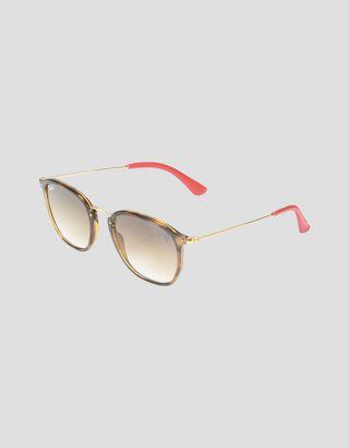"Scuderia Ferrari Online Store - Солнцезащитные очки от Ray-Ban для Scuderia Ferrari: Wayfarer Combo цвета ""гавана"" 0RB2448NM - Солнцезащитные очки"