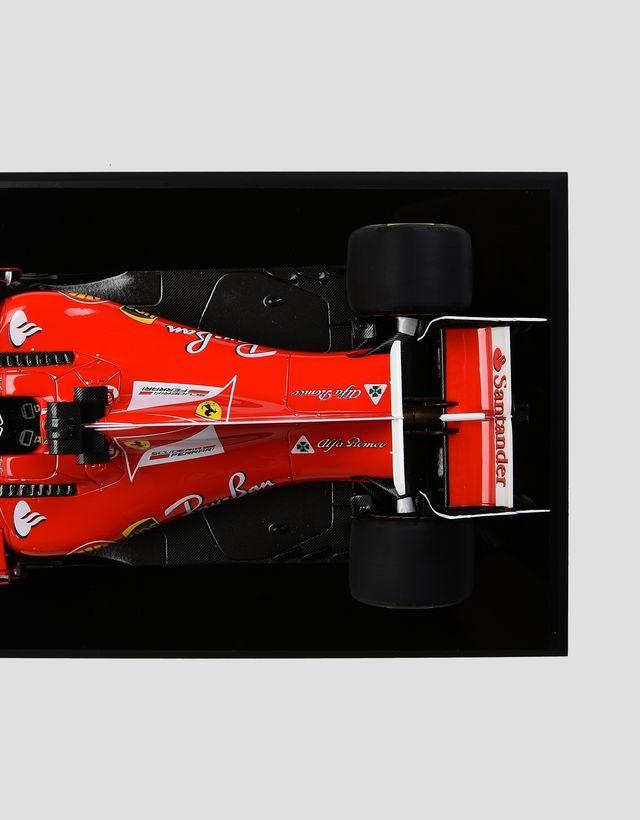 Scuderia Ferrari Online Store - Модель Ferrari SF70-H в масштабе 1:18, Себастьян Феттель - Модели машины 1:18