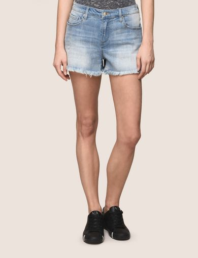 FRAYED HEM LIGHT INDIGO SHORT