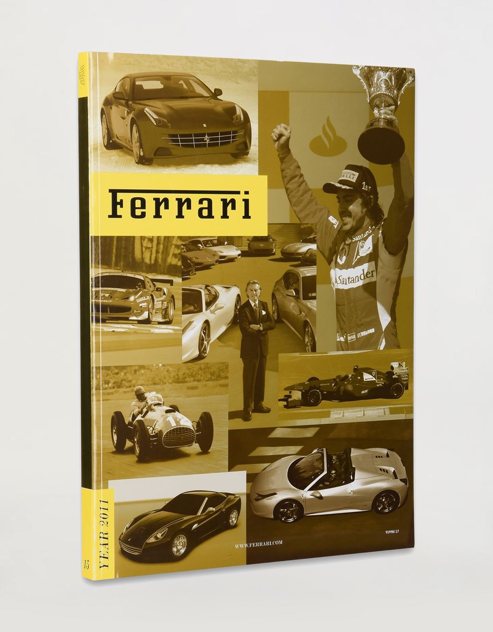 Scuderia Ferrari Online Store - Ferrari 2011 Yearbook - Yearbooks