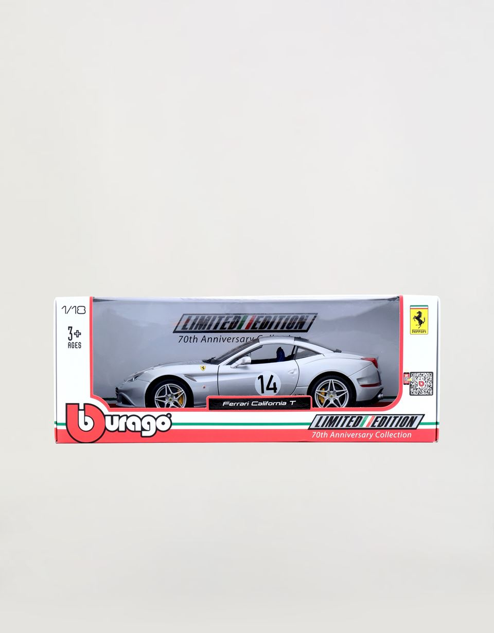 Scuderia Ferrari Online Store - Ferrari California T The Hot Rod 1:18 scale model -