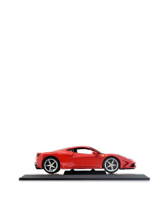 Scuderia Ferrari Online Store - Ferrari 458 Special 1:18 scale model -