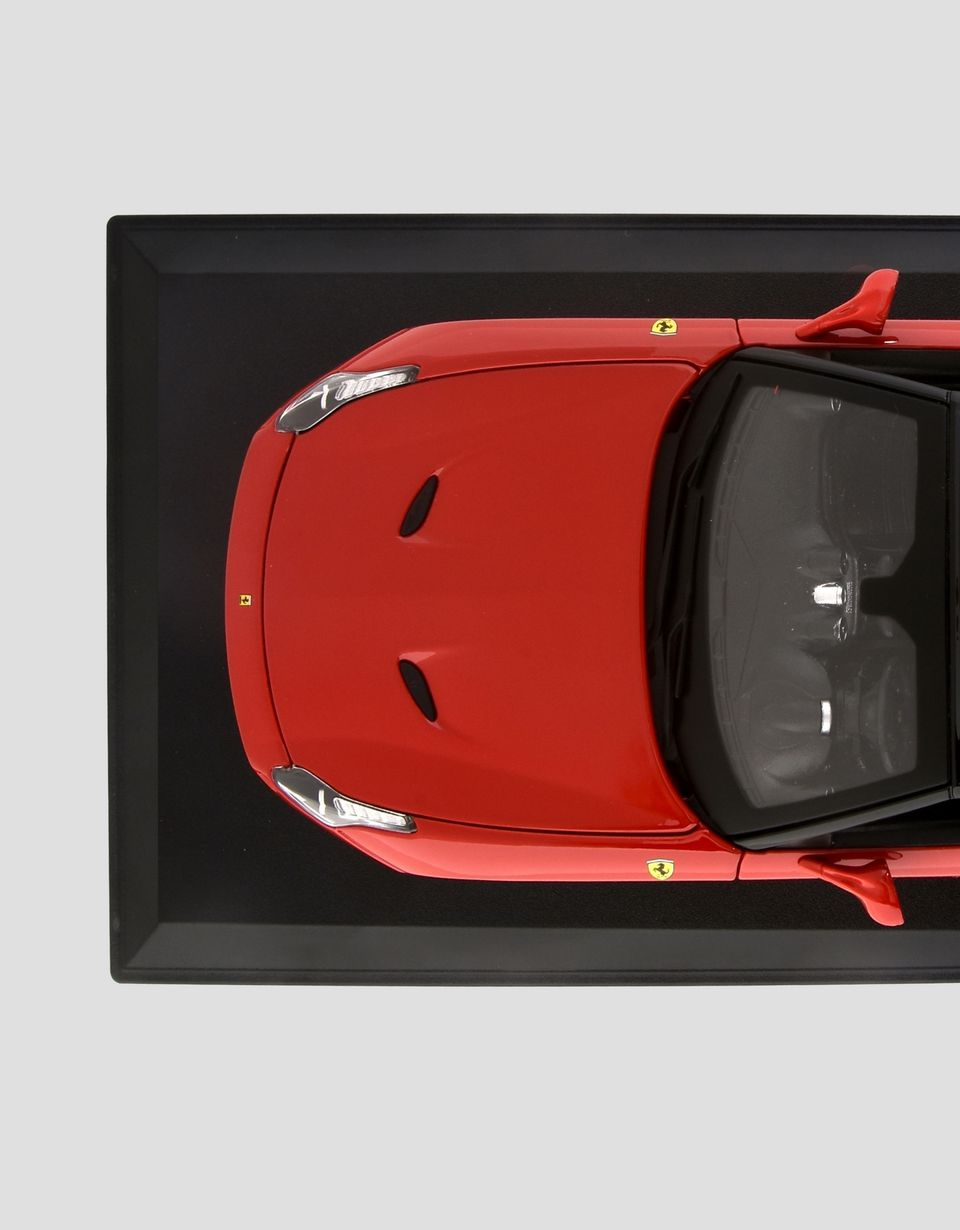 Scuderia Ferrari Online Store - Ferrari California T Closed Top 1:18 scale model - Car Models 01:18