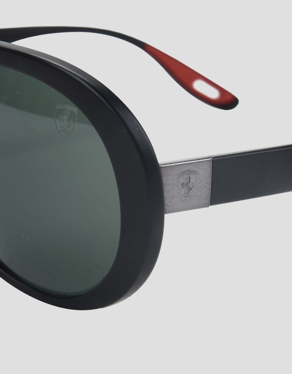 Scuderia Ferrari Online Store - Солнцезащитные очки 0RB4310M от Ray-Ban для Scuderia Ferrari чёрного цвета - Солнцезащитные очки