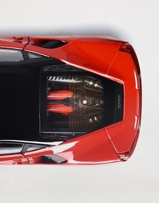 Scuderia Ferrari Online Store - Ferrari 488 GTB 1:18 scale model - Car Models 01:18