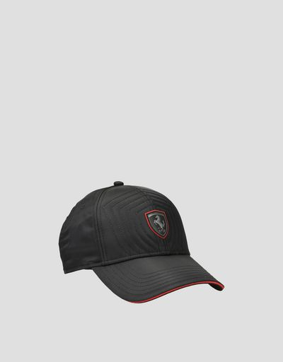 Men's cap with a red trim