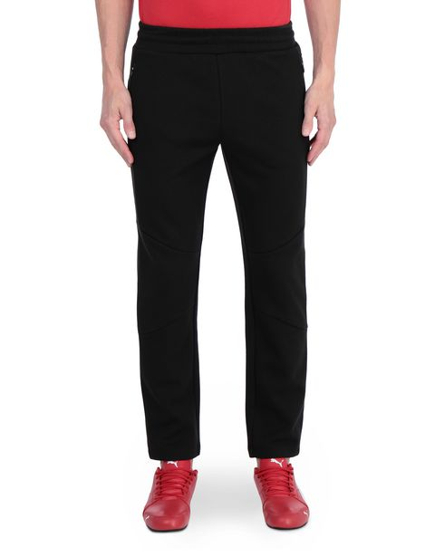 Men's joggers with ergonomic seams