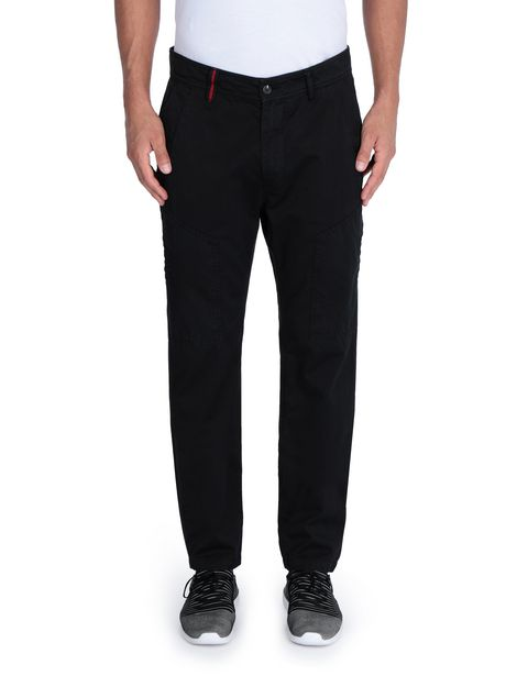 Men's pants with maxi pockets