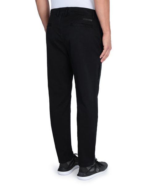 Men's trousers with maxi pockets