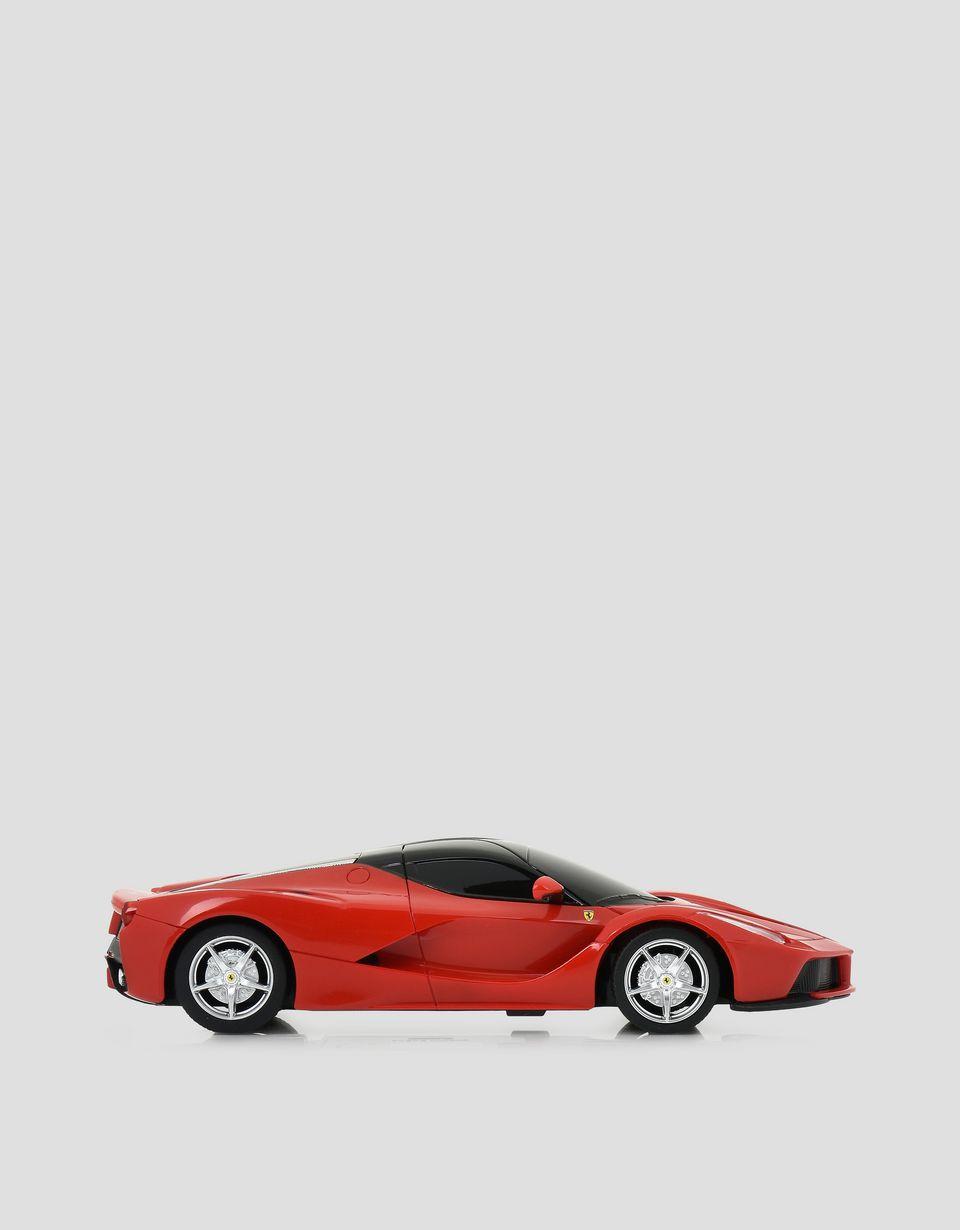 Scuderia Ferrari Online Store - Modellino radiocomandato La Ferrari in scala 1:24 - Giocattoli Radiocomandati