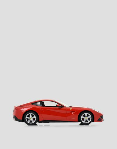 Scuderia Ferrari Online Store - Ferrari F12berlinetta remote controlled model car in 1:14 scale - Radio Controlled Toys