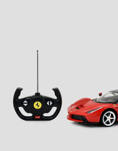 LaFerrari remote-controlled 1:14 scale model
