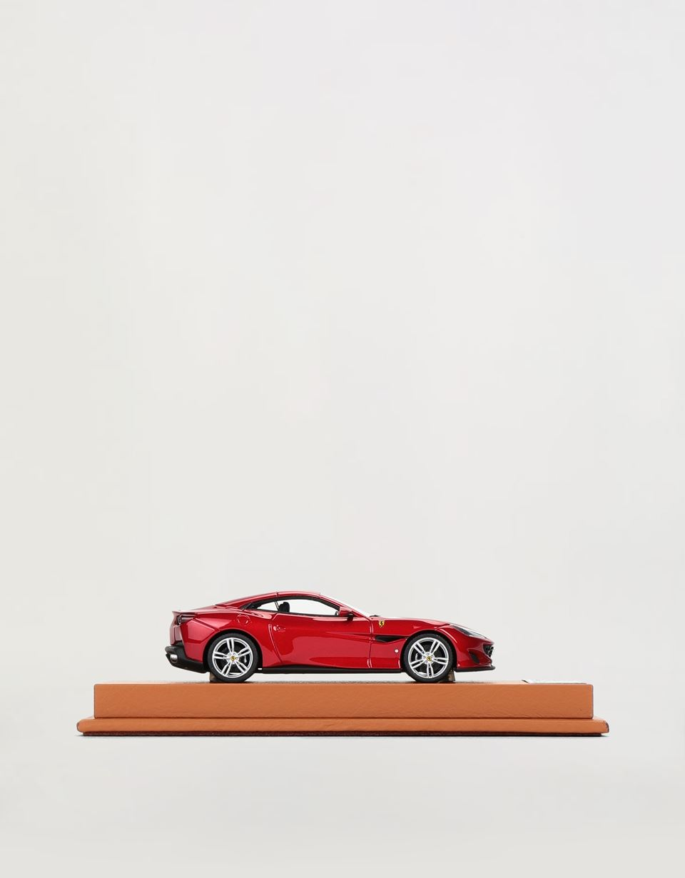 Scuderia Ferrari Online Store - Ferrari Portofino model in 1:43 scale - Car Models 01:43
