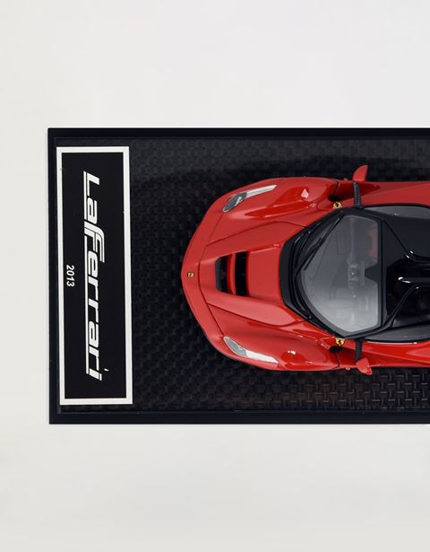 Scuderia Ferrari Online Store - LaFerrari model in 1:43 scale - Car Models 01:43