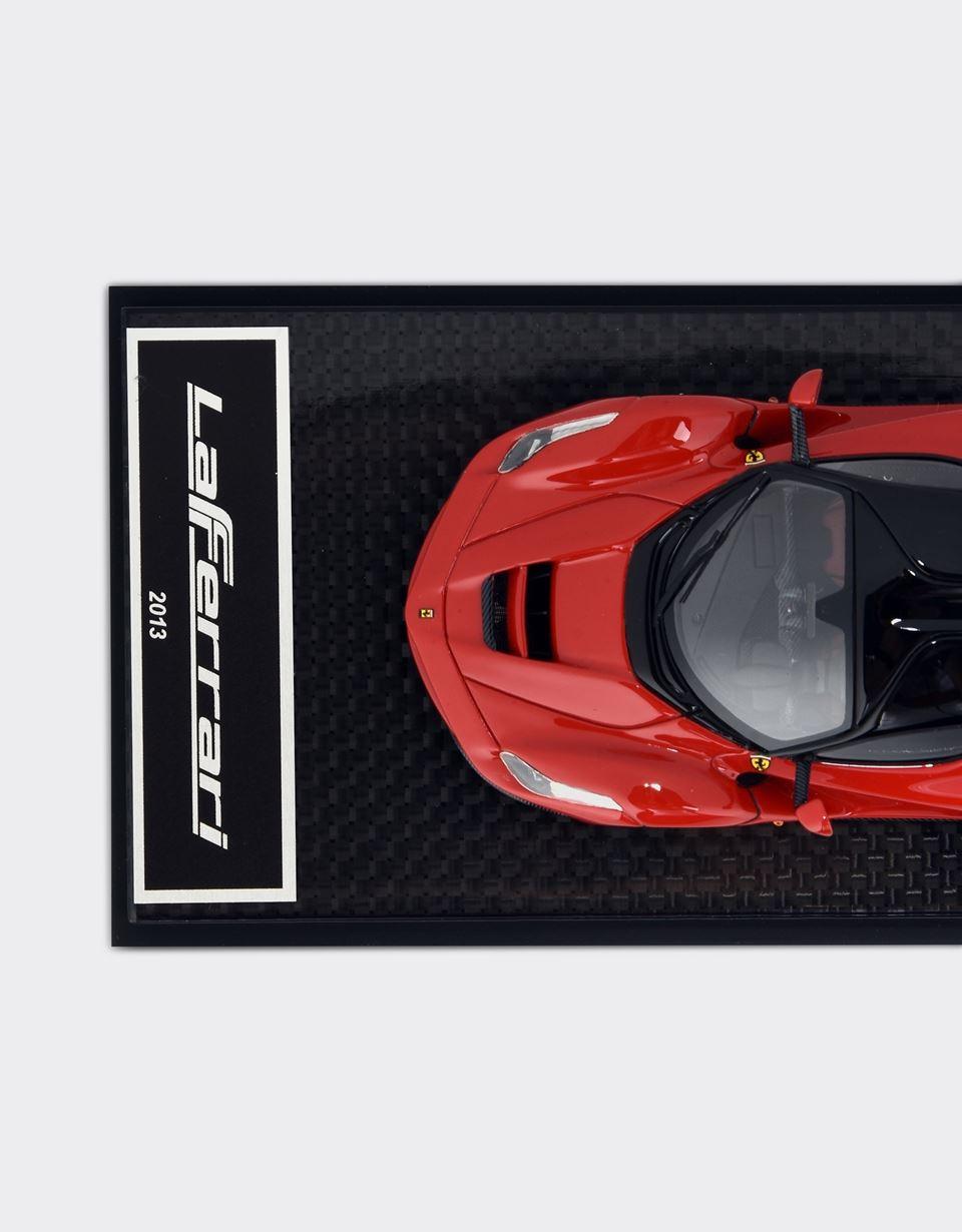 Scuderia Ferrari Online Store - Miniatura LaFerrari a escala 1:43 - Maquetas de coches 1:43
