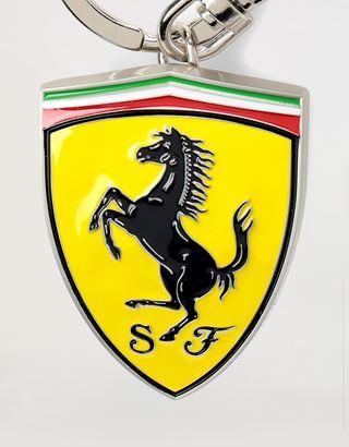 Scuderia Ferrari Online Store - Металлический брелок для ключей Scudetto Ferrari с эмалевым покрытием - Брелоки