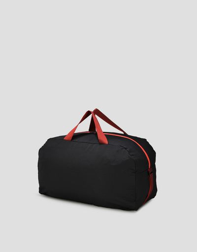 Fold-away bag with contrasting details
