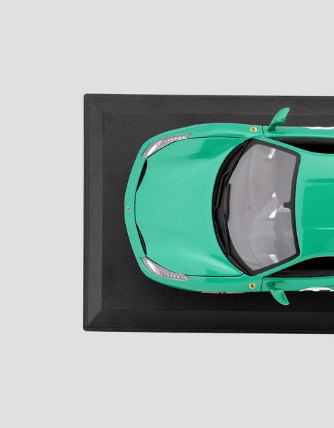 Scuderia Ferrari Online Store - Ferrari 488 GTB Green Jewel in 1:18 scale - Car Models 01:18