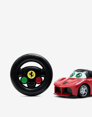 Scuderia Ferrari Online Store - My First Race remote-control LaFerrari model - Radio Controlled Toys