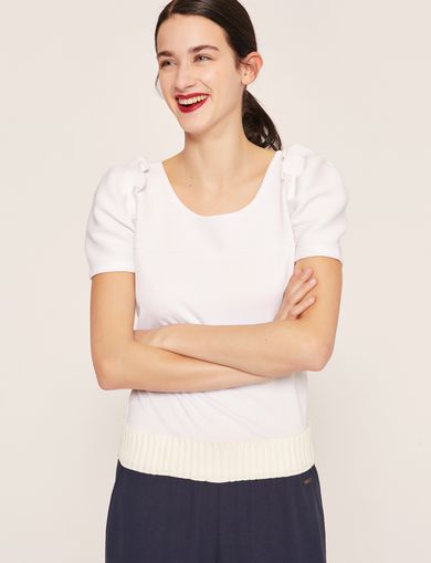 RUFFLE SLEEVE SCOOPNECK TOP
