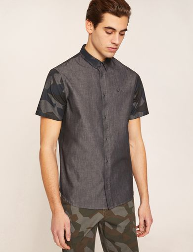 REGULAR FIT SHORT-SLEEVE GEO CAMO YOKE SHIRT