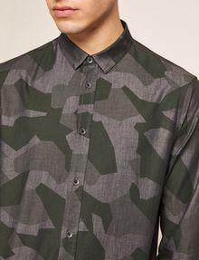 ARMANI EXCHANGE REGULAR-FIT GEO CAMO SHIRT Printed Shirt [*** pickupInStoreShippingNotGuaranteed_info ***] b