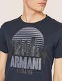 ARMANI EXCHANGE T-SHIRT GIROCOLLO REGULAR FIT CON STAMPA DI PAESAGGIO URBANO AL TRAMONTO T-shirt con logo Uomo b