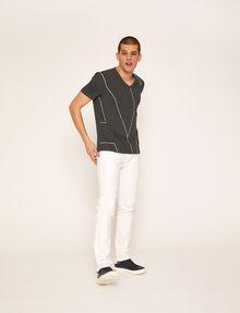 ARMANI EXCHANGE REGULAR-FIT LARGE PRINT LOGO V-NECK Graphic T-shirt Man d