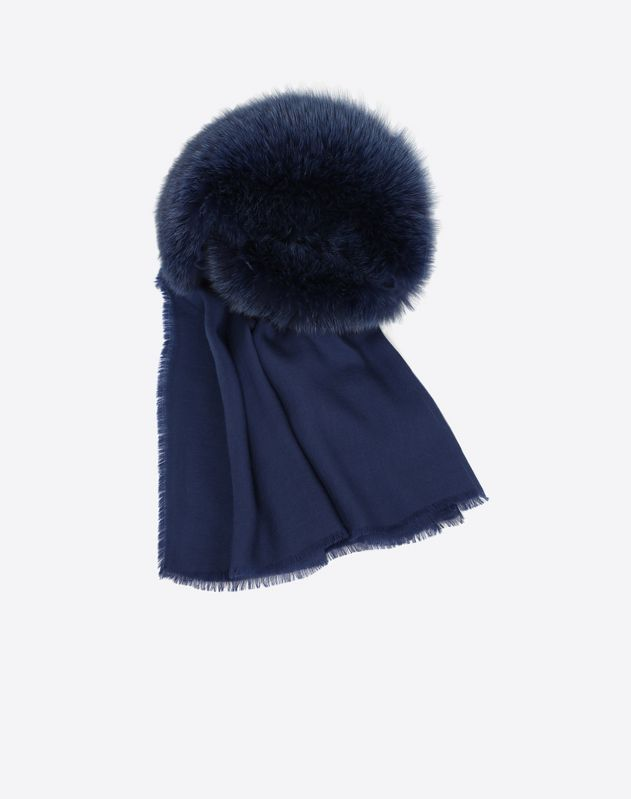 Stole with fox fur