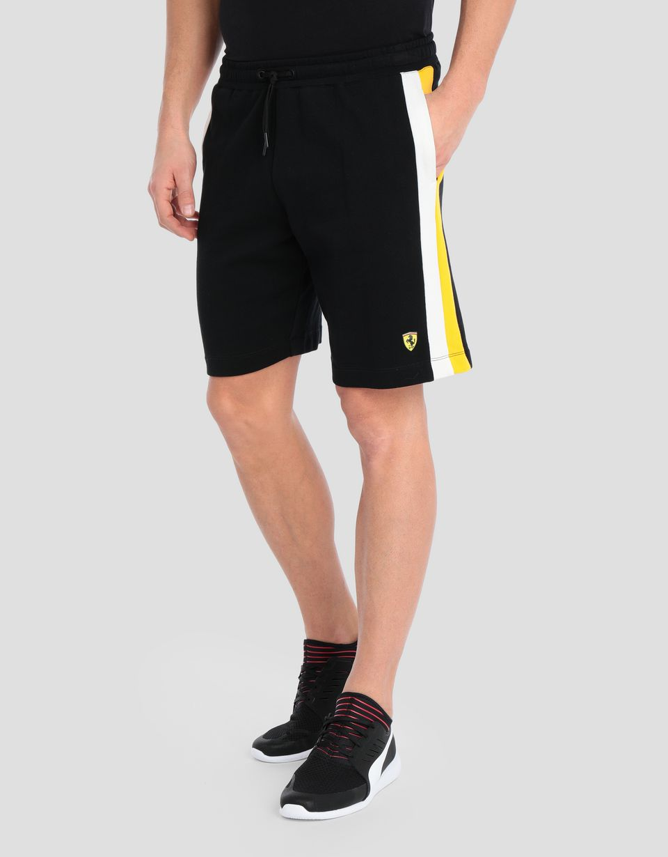 Scuderia Ferrari Online Store - Men's bermudas with contrasting side stripes - Shorts