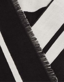 VLOGO Jacquard Stole 70 x 200cm