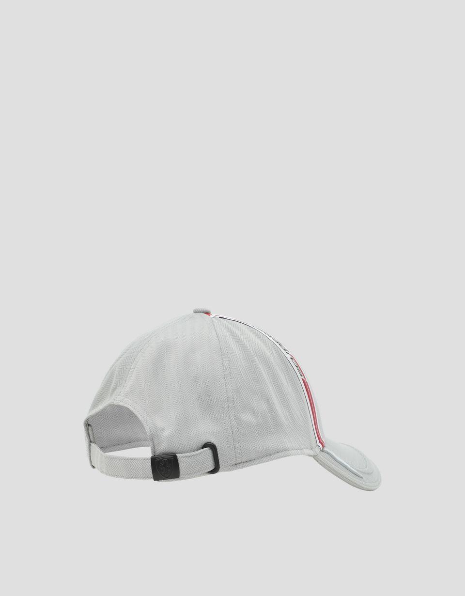 Scuderia Ferrari Online Store - Cappellino uomo in tessuto tecnico Chevron con Icon Tape - Cappellini da Baseball