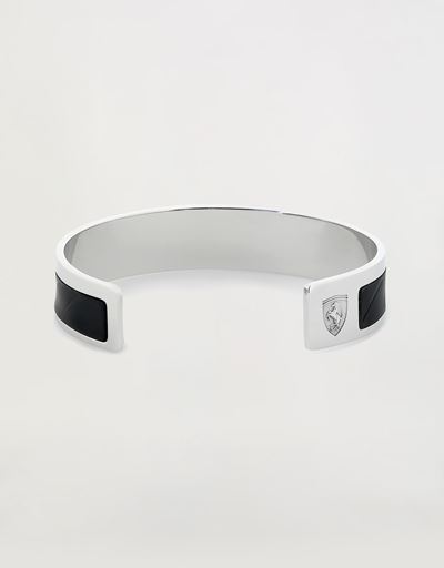 Metal bracelet with leather insert