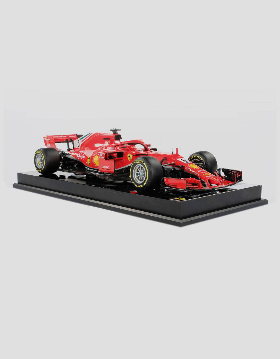 Scuderia Ferrari Online Store - Ferrari SF71H model F1 Vettel in 1:12 scale - Car Models 1:12