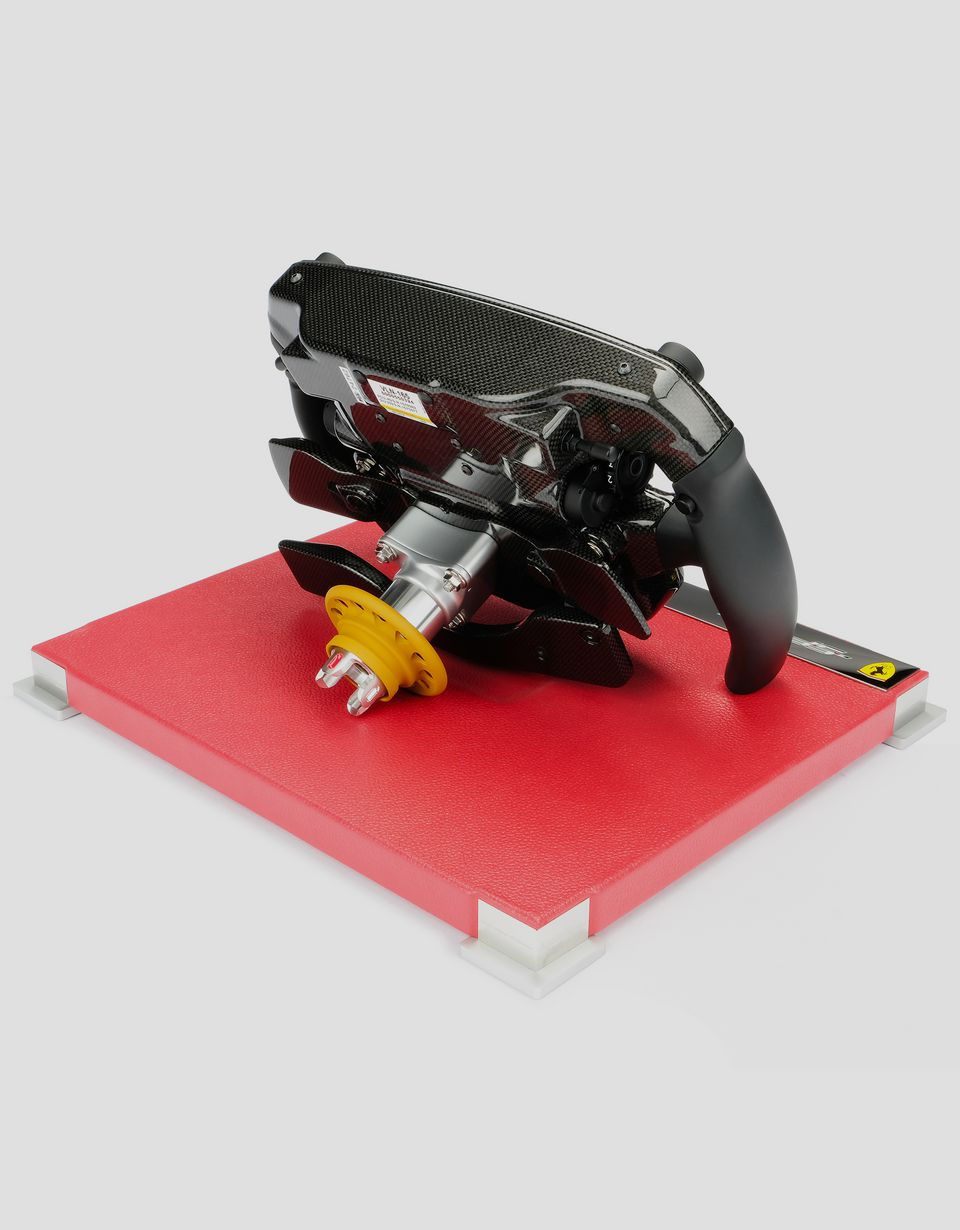 Scuderia Ferrari Online Store - Ferrari SF71H steering wheel in 1:1 scale - Model Kits & Accessories