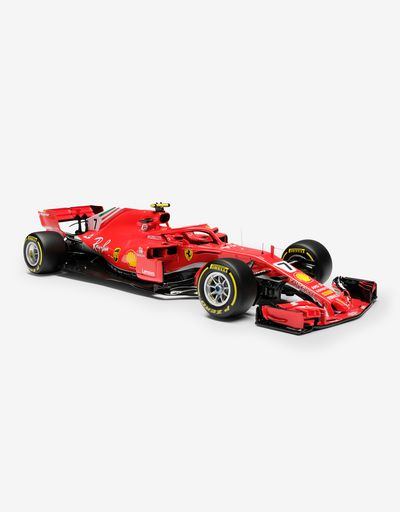 Ferrari SF71H F1 Räikkönen model in 1:8 scale