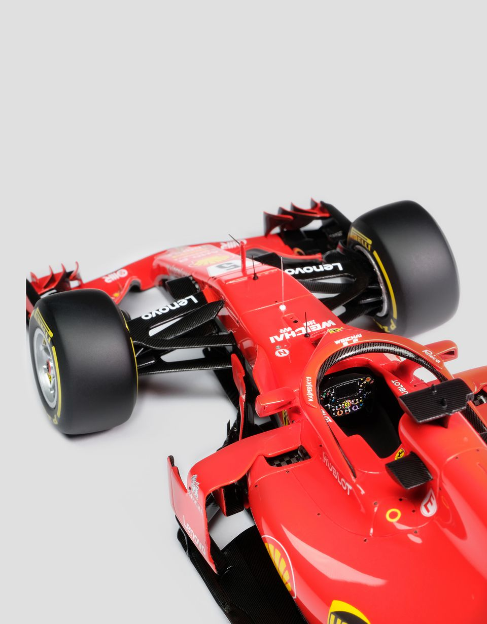 Scuderia Ferrari Online Store - Ferrari SF71H model F1 Vettel in 1:18 scale - Car Models 01:18