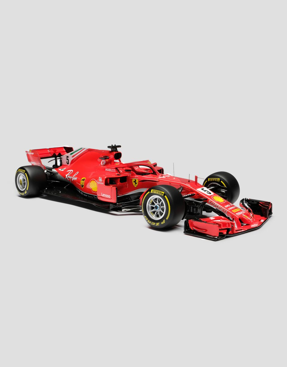Scuderia Ferrari Online Store - Ferrari SF71H F1 Vettel model in 1:18 scale - Car Models 01:18