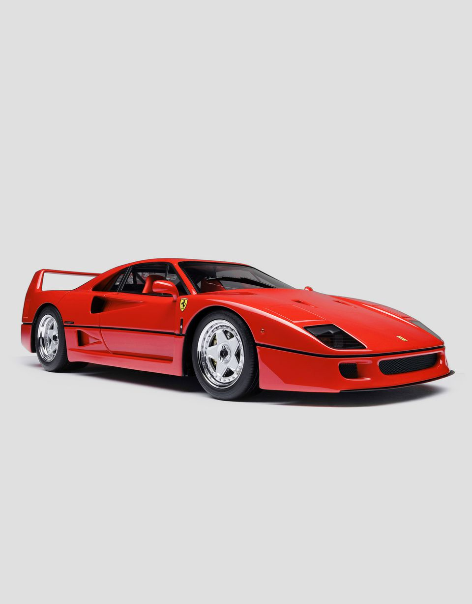 Scuderia Ferrari Online Store - Ferrari F40 model in 1:18 scale - Car Models 01:18