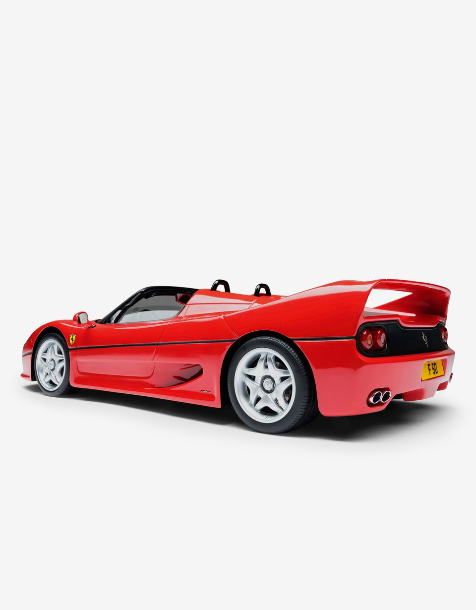 Scuderia Ferrari Online Store - Ferrari F50 model in 1:18 scale - Car Models 01:18